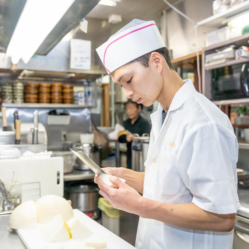 恒川さん | 栄店 | 一般(調理)